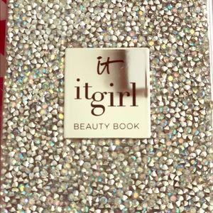 IT! Cosmetics it girl beauty book